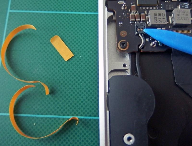 新しいスピーカーの両面テープを剥がして取付。